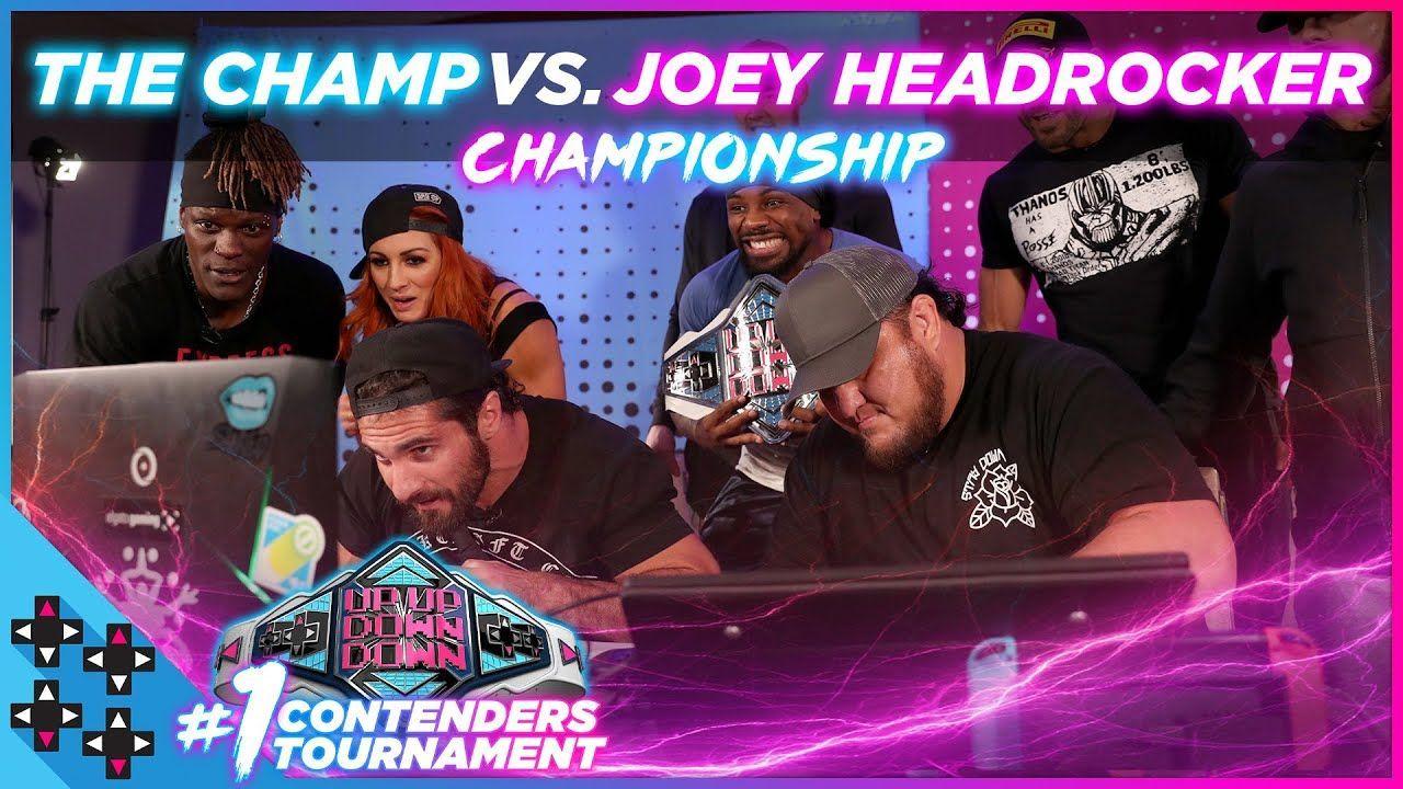 Becky Lynch animando a Seth Rollins contra Samoa Joe