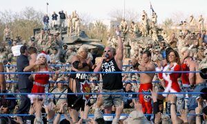 Tributo de la WWE a las tropas