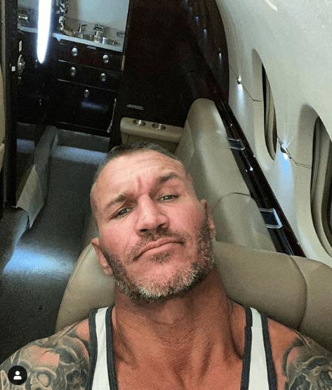 randy orton compro un avion